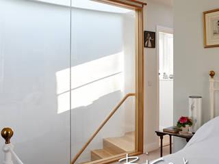 New Staircase in Period Property 3123 Bisca Staircases Camera da letto in stile classico