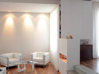 Salones modernos de Studio Sabatino Architetto Moderno