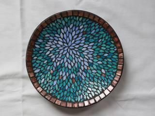 Plat en mosaïque, pétales tons bleus par Mosa-Louisa Éclectique