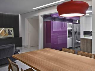 Modern Kitchen by Jaqueline Frauches Arquitetura e Interiores Modern