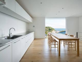 横須賀の家: 栗原隆建築設計事務所が手掛けたダイニングです。,