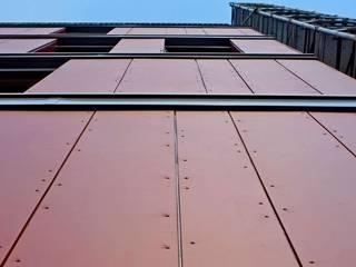 Edificio residenziale a Milano Lambrate: Case in stile  di SBG architetti