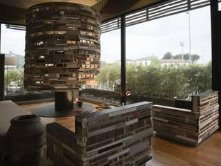 Oficinas y Tiendas de estilo  por Arredamenti Caneschi srl, Ecléctico