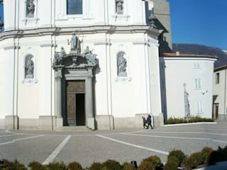 Piazza SS Redentore - Sarnico (BG) Giardino moderno di Studio Cadei Associati Moderno