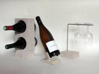 socle à bouteille en pierre de Bourgogne:  de style  par Marie Deley