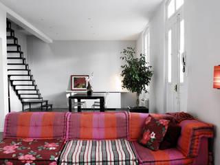 Minimalist dining room by Christian Fares Minimalist