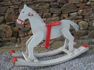 Cheval à bascule par Le Torchon en Cavale