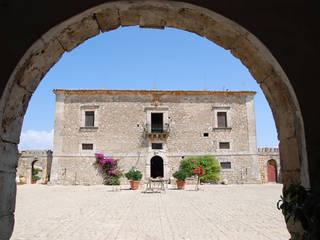 Pasillos y vestíbulos de estilo  de Architetto Giuseppe Prato, Rural