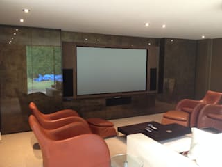 Multi purpose cinema room:  Media room by Designer Vision and Sound