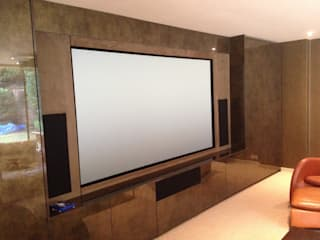 Multi purpose cinema room by Designer Vision and Sound Сучасний