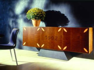 """""""1992"""" , """"Flowers"""" e """"Grapes"""" di Massimo Mariani Architetto Moderno"""
