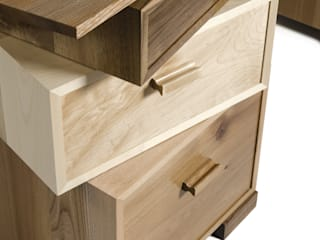 Magnetic Stack Desk with Fitted Humidor por Radiance Furniture Design Moderno