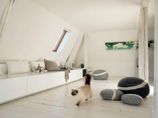 modern  by InteriorPark., Modern