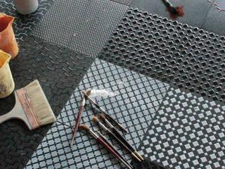Urban design for tile:  in stile  di improntabarre - Handcraft & Design Laboratory