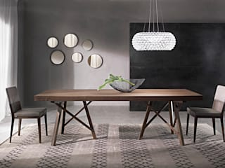 homify Dining roomTables