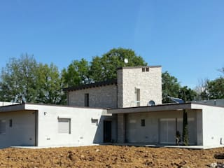 Country style house by TuscanBuilding - Studio tecnico di progettazione Country