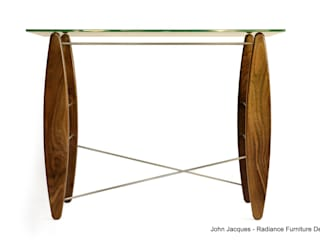 Surf's Up Walnut Console Table de Radiance Furniture Design Moderno