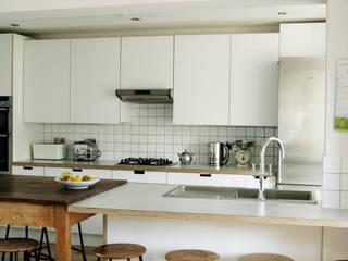 Hampton Hill Kitchen Modern kitchen by Matt Antrobus Design Modern