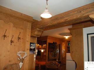 Arredamenti Brigadoi Pasillos, vestíbulos y escaleras de estilo rústico