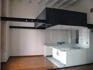 appartamento in piazza della Consolata TORINO Cucina moderna di BOTTEGA STUDIO ARCHITETTI Moderno