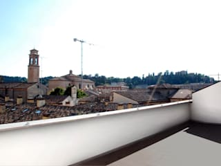attico Cesena Balcone, Veranda & Terrazza in stile minimalista di andrea nicolini architetto Minimalista