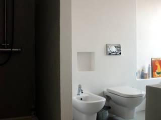 Baños de estilo minimalista de andrea nicolini architetto Minimalista