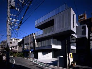 Häuser von 濱嵜良実+株式会社 浜﨑工務店一級建築士事務所