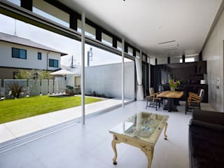 Atelier HARETOKE Co., Ltd. Moderne Wohnzimmer