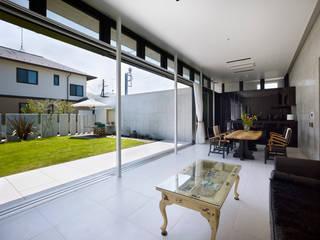 Salas de estar modernas por Atelier HARETOKE Co., Ltd. Moderno