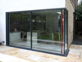 Lynton Road Modern windows & doors by IQ Glass UK Modern