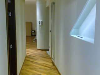 Architetto del Piano Modern Corridor, Hallway and Staircase