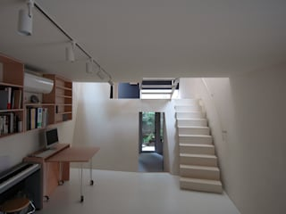 M+2 Architects & Associates Modern study/office