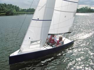 NEO 495, voilier de 4,95 mètres en double, accessibilité transparente par CN Alain INZELRAC - Coques en Stock Moderne