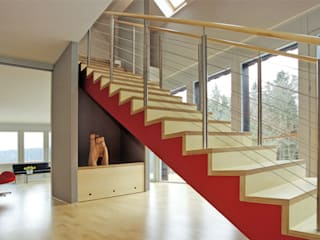 Modern Corridor, Hallway and Staircase by skt umbaukultur Architekten BDA Modern