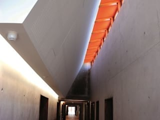 Collège à Saint Martin en Haut Maisons modernes par archipente Moderne