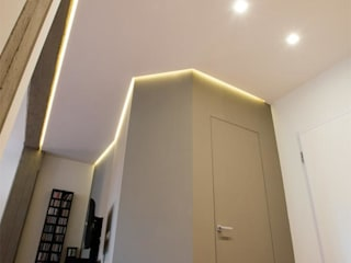 Archifacturing Modern corridor, hallway & stairs
