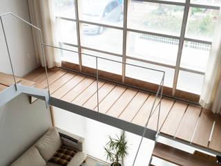 羽鳥の家 House in Hatori : 一級建築士事務所 本間義章建築設計事務所が手掛けた廊下 & 玄関です。,モダン