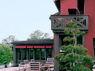 Altbau und Erweiterung: landhausstil Häuser von Lando Rossmaier Architekten AG