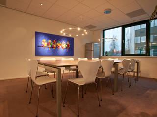 Kantoor ruimtes.:  Kantoorgebouwen door Lightarc lichtarchitektuur