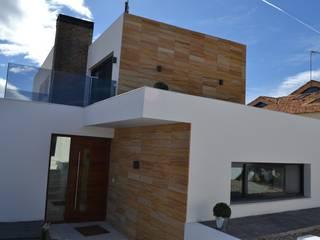VIVIENDA UNIFAMILIAR AISLADA TOLEDO Casas de estilo minimalista de AUNA ARQUITECTOS, S.L. Minimalista