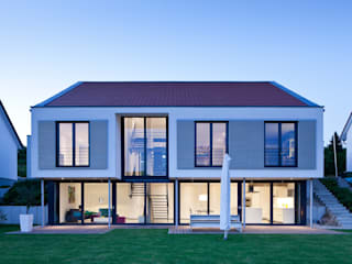 Modern Houses by STIEBEL ELTRON GmbH & Co. KG Modern