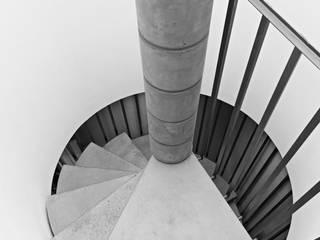 parkHAUS-   Ein Haus das Altern darf und kann :  Flur & Diele von archifaktur