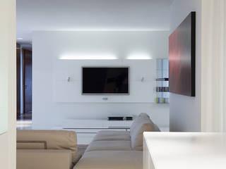 Diagonal SOMHI CONSTRUCCIONES y OBRAS Salones de estilo moderno