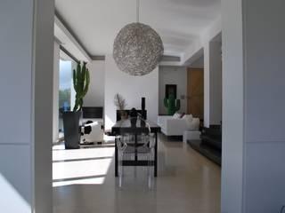 CASA FR Ingresso, Corridoio & Scale in stile moderno di Rizzotti Design Moderno