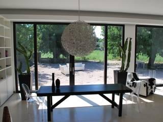 CASA FR Giardino moderno di Rizzotti Design Moderno