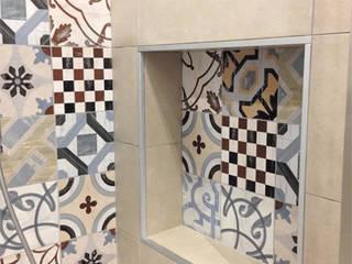 Salle de bain moderne par Studio GIOLA | Casorezzo MI Moderne