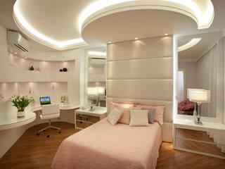 Cuartos de estilo  por Arquiteto Aquiles Nícolas Kílaris