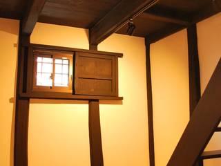 西川真悟建築設計 Pasillos, vestíbulos y escaleras de estilo moderno