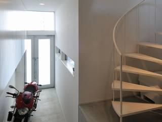 light-form モダンスタイルの 玄関&廊下&階段 の 岡村泰之建築設計事務所 モダン
