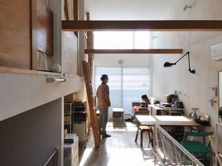 good-shelf モダンデザインの リビング の 岡村泰之建築設計事務所 モダン